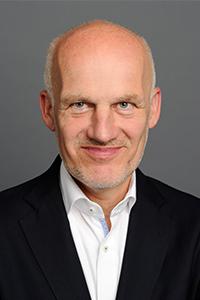 Prof. Dr. Egon Endres referiert beim zweiten Rosenheimer Bildungsforum